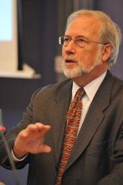 Dr Tom Huertas