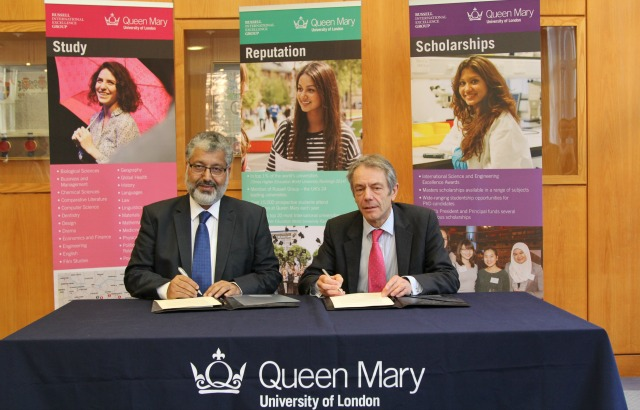 Professor Gaskell and Professor Ahmed signed the agreement in London