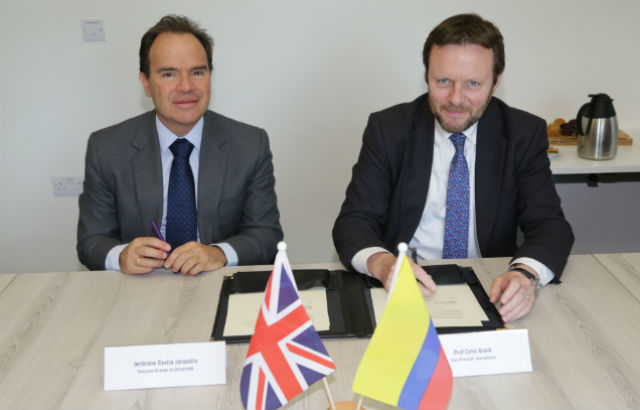 Queen Mary launches International Centre for Teaching and Learning in China
