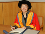 Novelist and Queen Mary alumna Sarah Waters