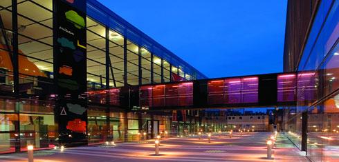 Visit Queen Mary, University of London website