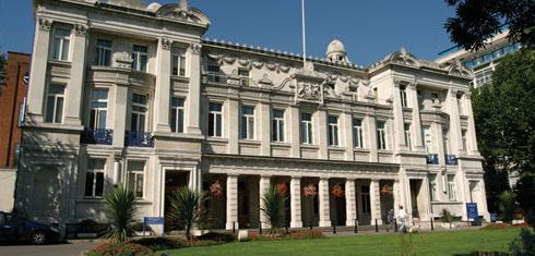 Картинки по запросу Queen Mary University of London