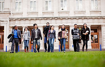 QMUL students on campus
