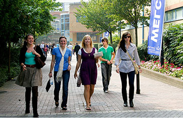 QMUL open day campus tour